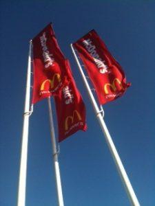 Mc Donalds logoflaggor